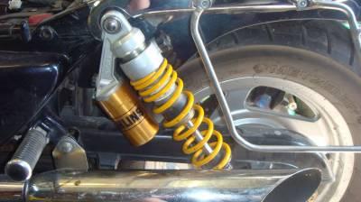 амортизаторы ohlins на Магне VF750C