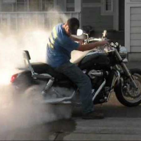 Kawasaki Mean Streak Burnout