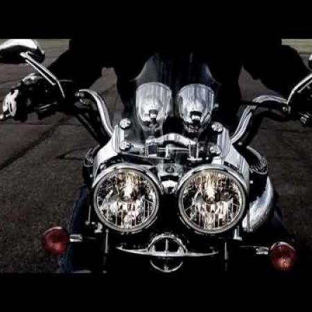 Triumph Rocket III Roadster - the world's craziest motorbike