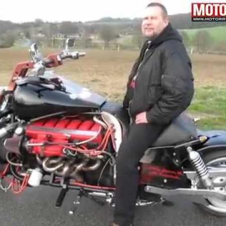 V12 Motorrad Umbau mit 435 PS